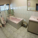 Bathroom | Islandview House Upington Accommodation